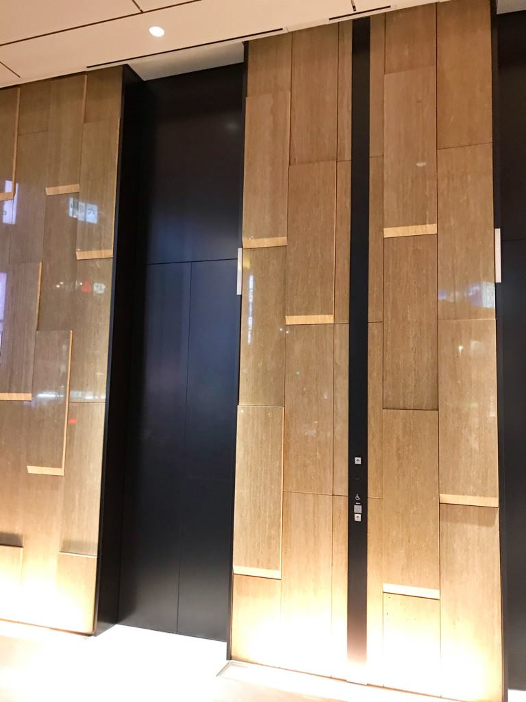 エレベーターもすごい_R