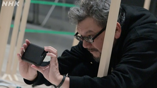 Director Hideaki Anno If you want to do it yourself